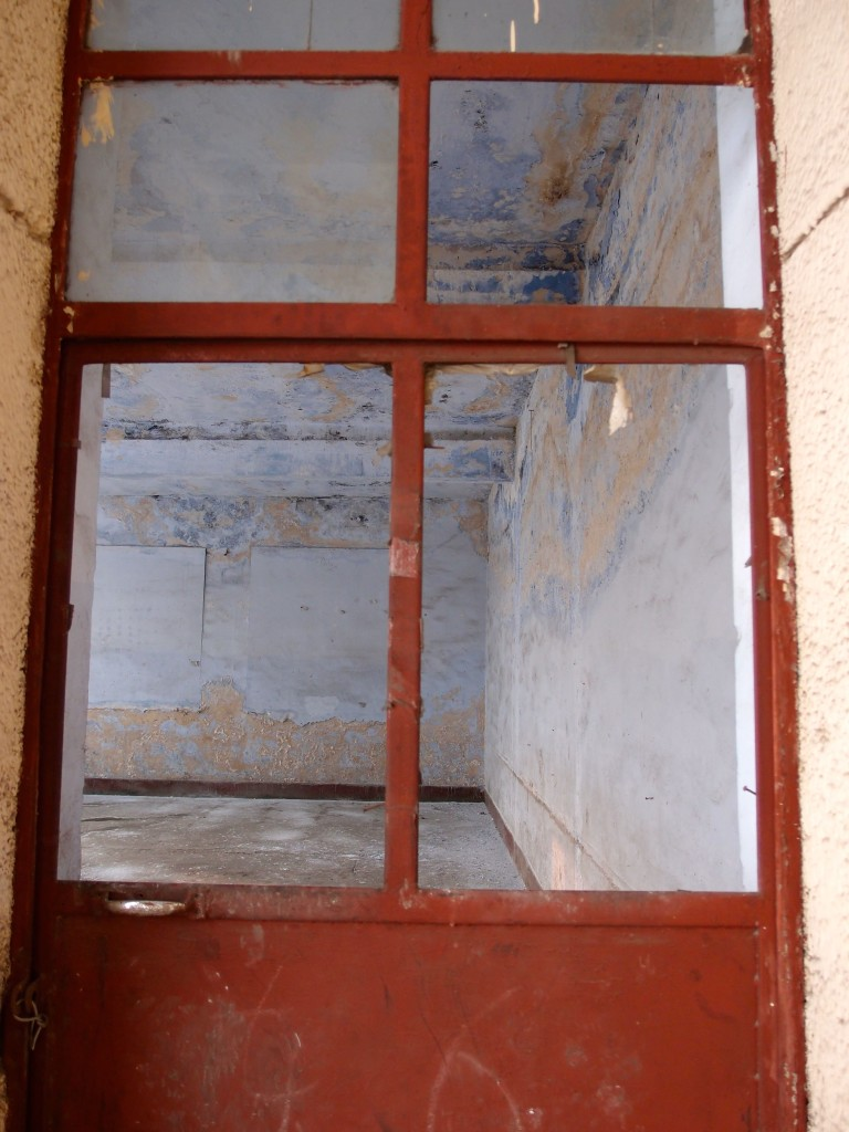 abandoned_classroom_blue