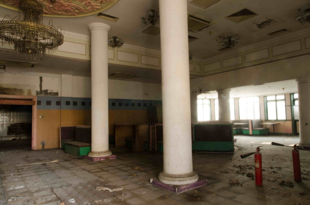 room with columns